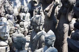 A Batubulan ci sono solo scultori