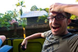 D. nel Safari vehicle (parola chiave: zen e musica tunz tunz)